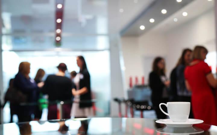 Automaty sprzedające w firmie – dlaczego warto?
