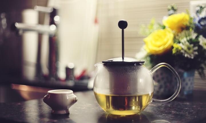 Ile kofeiny ma zielona herbata?