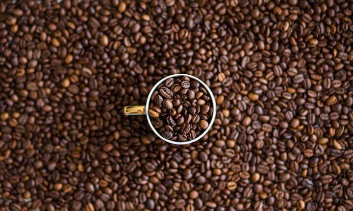 Jaki rodzaj kawy ma najwięcej kofeiny?